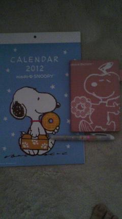 カレンダーと手帳とペン